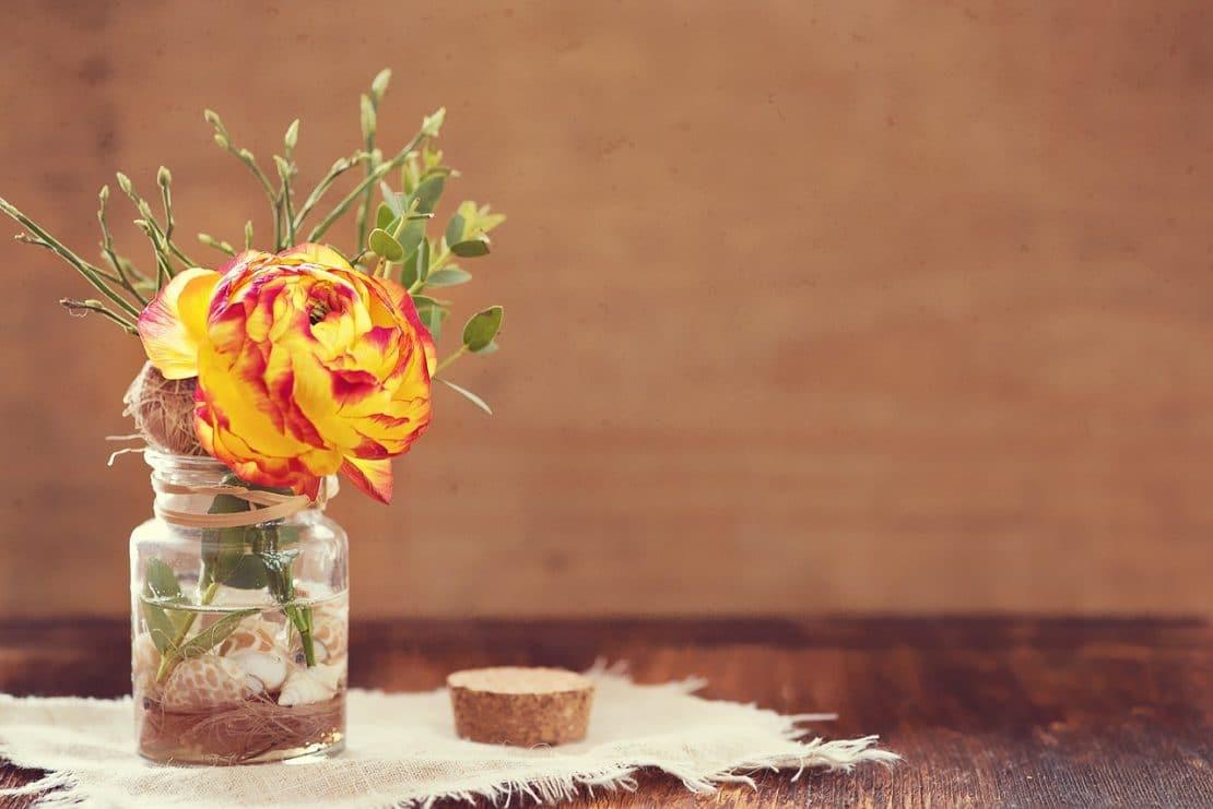 decorazione-barattoli-vetro-fai-da-te-riciclaggio